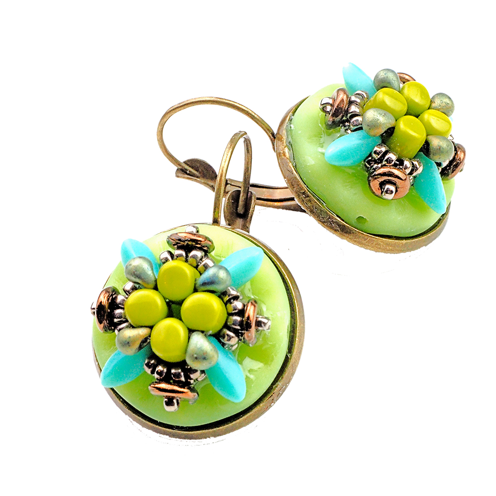 Prague_earrings_springgren_storytelling_jeweller_beadworkk_tutorials_1a_UPG_TRANS_1000pix