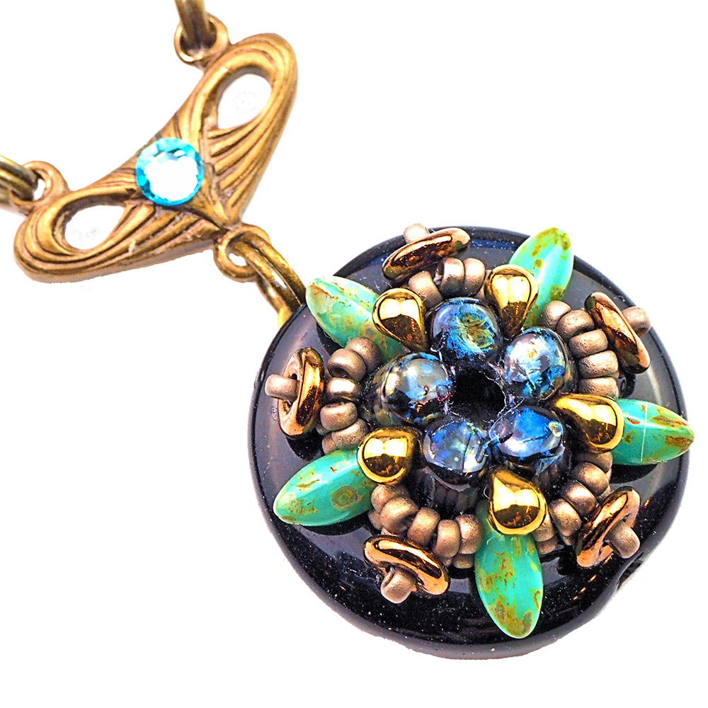 Prague_pendants_black_storytelling_jeweller_beadwork_tutorials_1b_UPG_TRANS_1000pix