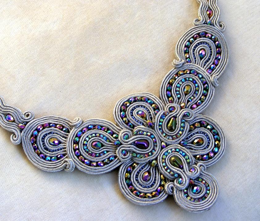 Grey-sparkling statement necklace 03