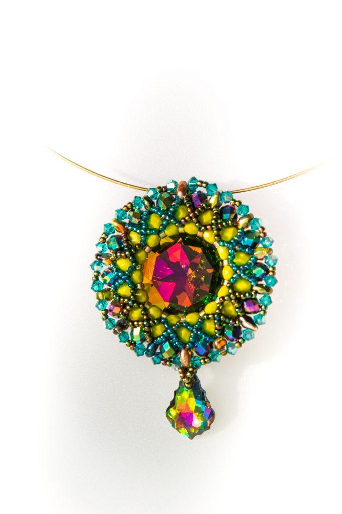 Passiflora pendant. Designed by Erika, beaded by Lenka!