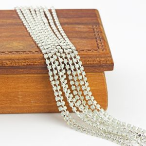 2.1 mm rhinestone chain with Chrysolite Opal Preciosa crystals in silver setting x 20 cm