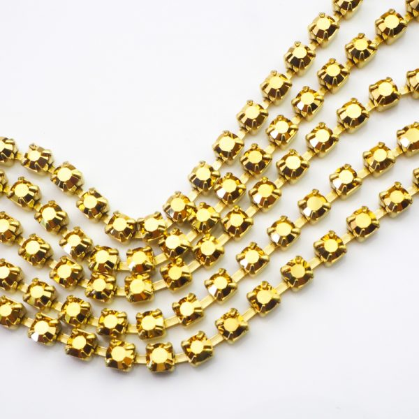3.2 mm rhinestone chain with Crystal Aurum Preciosa crystals in raw setting x 20 cm