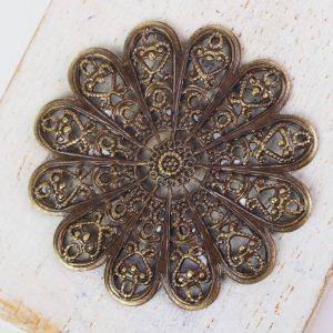 Antique bronze filigree daisy 38x38 mm x 1 pc