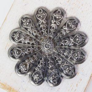 Patina silver filigree daisy 38x38 mm x 1 pc