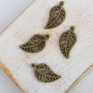 10x18 mm charm leaf antique bronze x 1 pc(s)