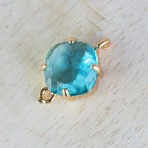 17x11 mm cushion cut crystal connector Light Turquoise Blue x 1 pc(s)