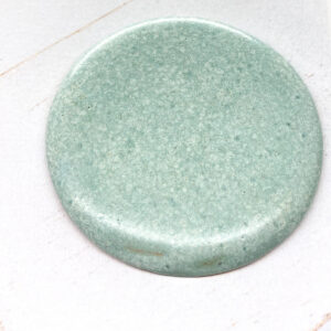 Big Round L2Studio cabochon Minze on light clay x 1 pc(s)