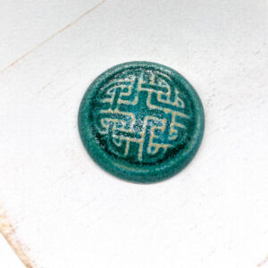 Celtic Round L2Studio cabochon Crystal Turquoise on light clay x 1 pc(s)