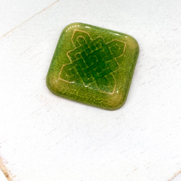 Celtic Square L2Studio cabochon Smaragd Green on light clay x 1 pc(s)