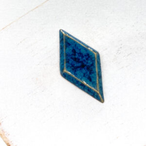 Galaxy Diamond L2Studio cabochon Blue Effect on light clay x 1 pc(s)