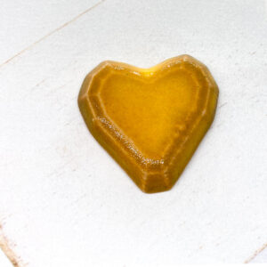 Heart Faceted L2Studio cabochon Warm Yellow Dark on light clay x 1 pc(s)