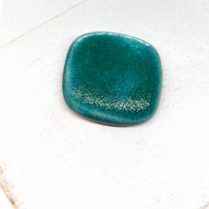 Round Square L2Studio cabochon Crystal Turquoise on light clay x 1 pc(s)