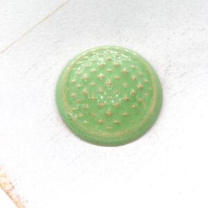 Sashiko L2Studio cabochon Pistacia on light clay x 1 pc(s)