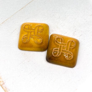 Small Celtic Square L2Studio cabochon Yellow Warm Dark on light clay x 1 pc(s)