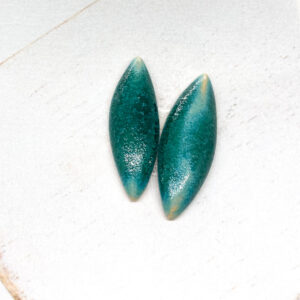 Small Navette L2Studio cabochon Crystal Turquoise on light clay x 1 pc(s)
