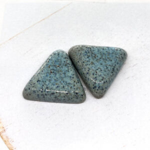 Small Triangle L2Studio cabochon Autumn Blue on light clay x 1 pc(s)