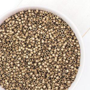 Miyuki Delica 10/0 beads nr. 322 Matte Metallic Gold x 5 g