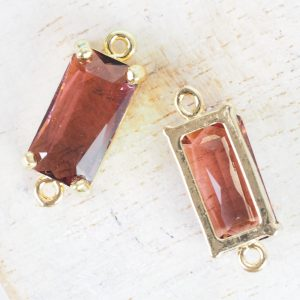 9x22 mm rectangle crystal connector Burgundy x 1 pc(s)