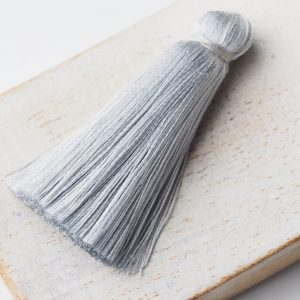 4 cm tassel imitation silk Light Grey x 1 pc(s)
