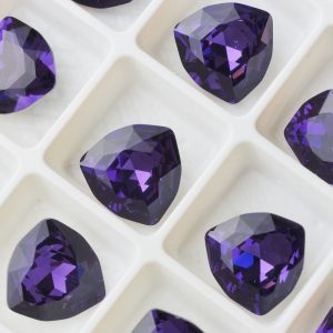 12 mm trillion triangle glass cabochon Purple Velvet x 1 pc(s)