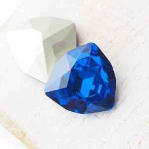 17 mm trillion triangle glass cabochon Capri Blue x 1 pc(s)