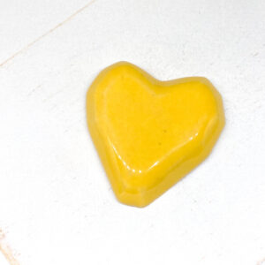 Heart L2Studio cabochon Canary Yellow on light clay x 1 pc(s)