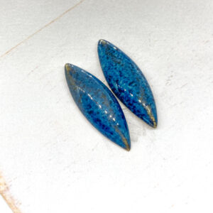 Small Navette L2Studio cabochon Blue Effect on light clay x 2 pc(s)