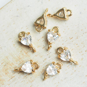5 x 9 mm Tiny Heart Crystal Connector Transparent Crystal x 4 pc(s)