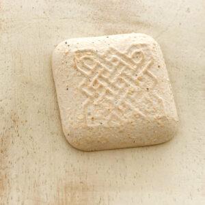 Celtic square L2Studio cabochon White Glitter on light clay x 1 pc(s)