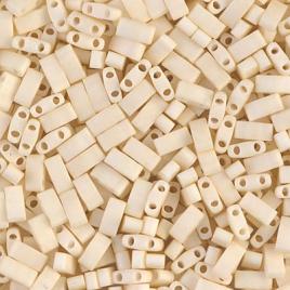 Miyuki Half Tila 2021 Matte Opaque Cream x 5 g