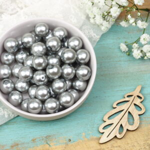 10 mm round glass pearls
