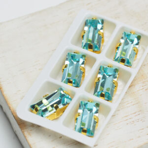 5x10 mm baguette glass cabochon Aquamarine with Gold Claw x 6 pc(s)