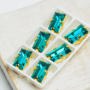 5x10 mm baguette glass cabochon Blue Zircon with Gold Claw x 6 pc(s)