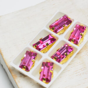 5x10 mm baguette glass cabochon Fuchsia with Gold Claw x 6 pc(s)