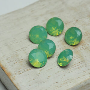 8 mm chaton glass cabochon Green Pacific Opal x 6 pc(s)