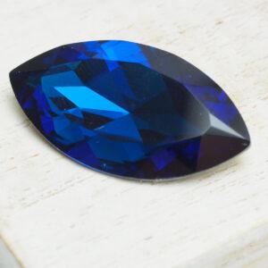 17x32 mm navette glass cabochon Montana Blue x 1 pc(s)