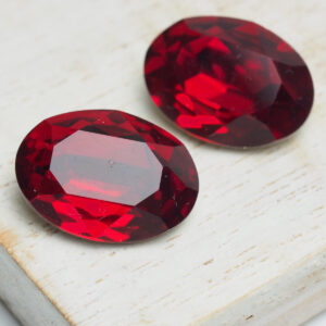 13x18 mm oval glass cabochon Red Siam x 2 pc(s)